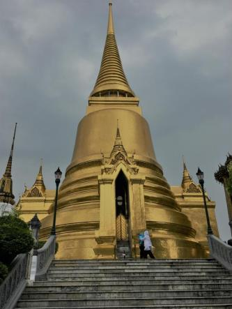 Temple of the Emerald Buddha (2)