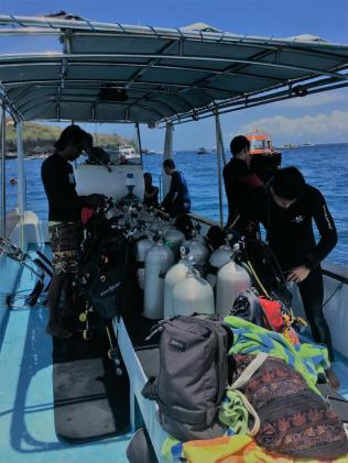 On the way to go diving :)