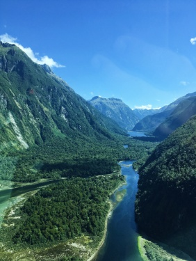 scenic flight to milford sound